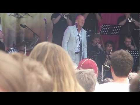 Jazz in Duketown: Eric Vaarzon Morel/Gerard van Maasakkers met het Brabants Jazz Orkest