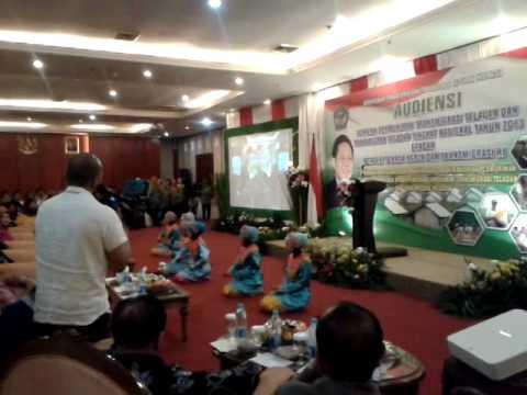 Tari Persembahan Kepulauan Riau ( Pmat Dance) video
