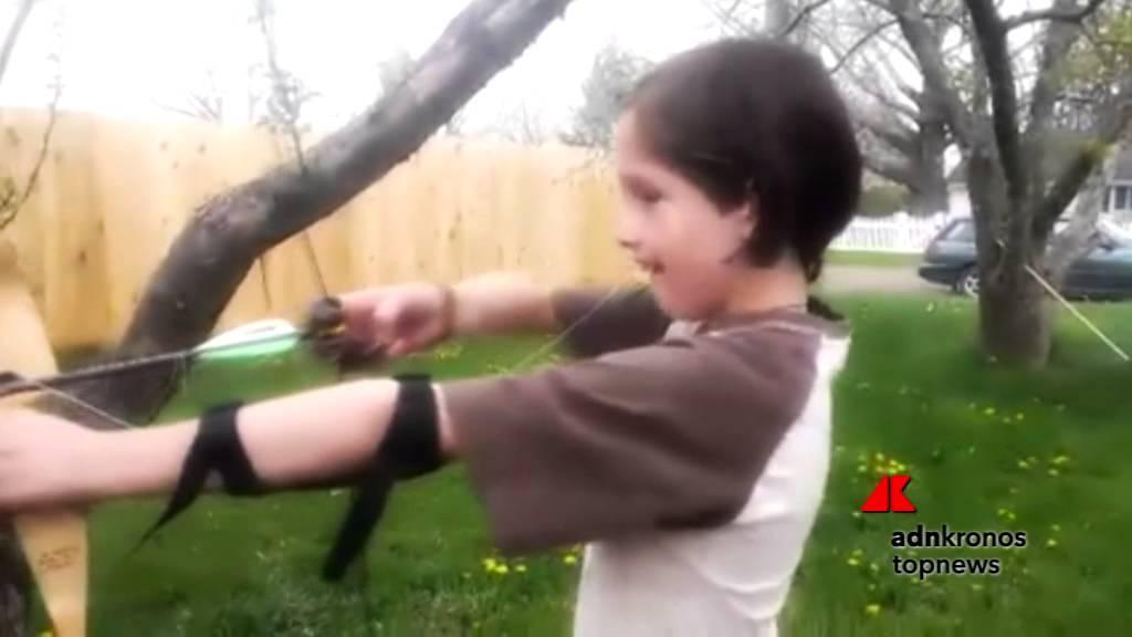 Il dentino dondola? Il bimbo lo toglie con arco e freccia... - YouTube