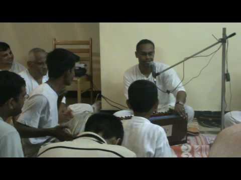 Devakinandan Das - Hare Krishna Kirtan 1 video