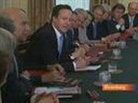 U.K.'s Cameron Will Meet King to Discuss Bank Lending