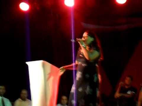 Cantora Mackeline   Ora que melhora ao vivo
