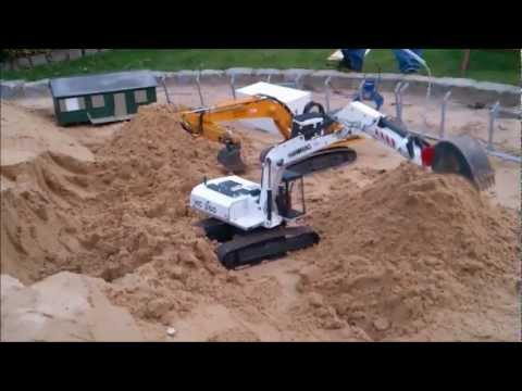 RC Excavators (Liebherr 944 / Hanomag HC 260) at work