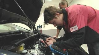 A Career as an  Automotive Technician (JTJS52010)