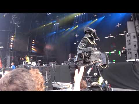 Dizzee Rascal ft Robbie Williams live @radio 1 big weekend 2013