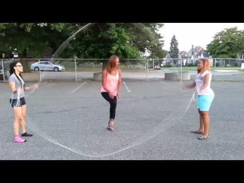 photos of girls jumping double dutch № 12722