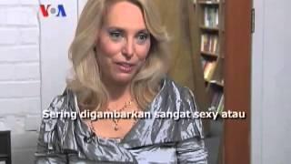 Mantan Agen CIA Valerie Plame Membuat Novel - Laporan VOA 21 Oktober 2013