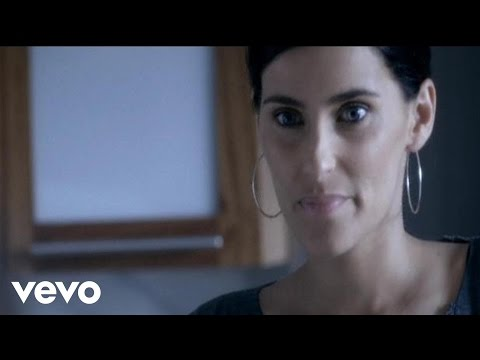Nelly Furtado - Mas (w/ English Subtitles)