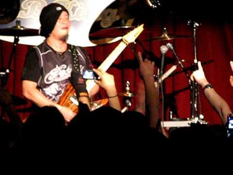 Akira Takasaki of Loudness guitar solo BB King's New York City 6-1-11