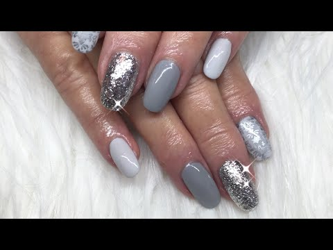 Canni Gel Paint/Vetro Silver Leaf/Vintage Stamped Nails