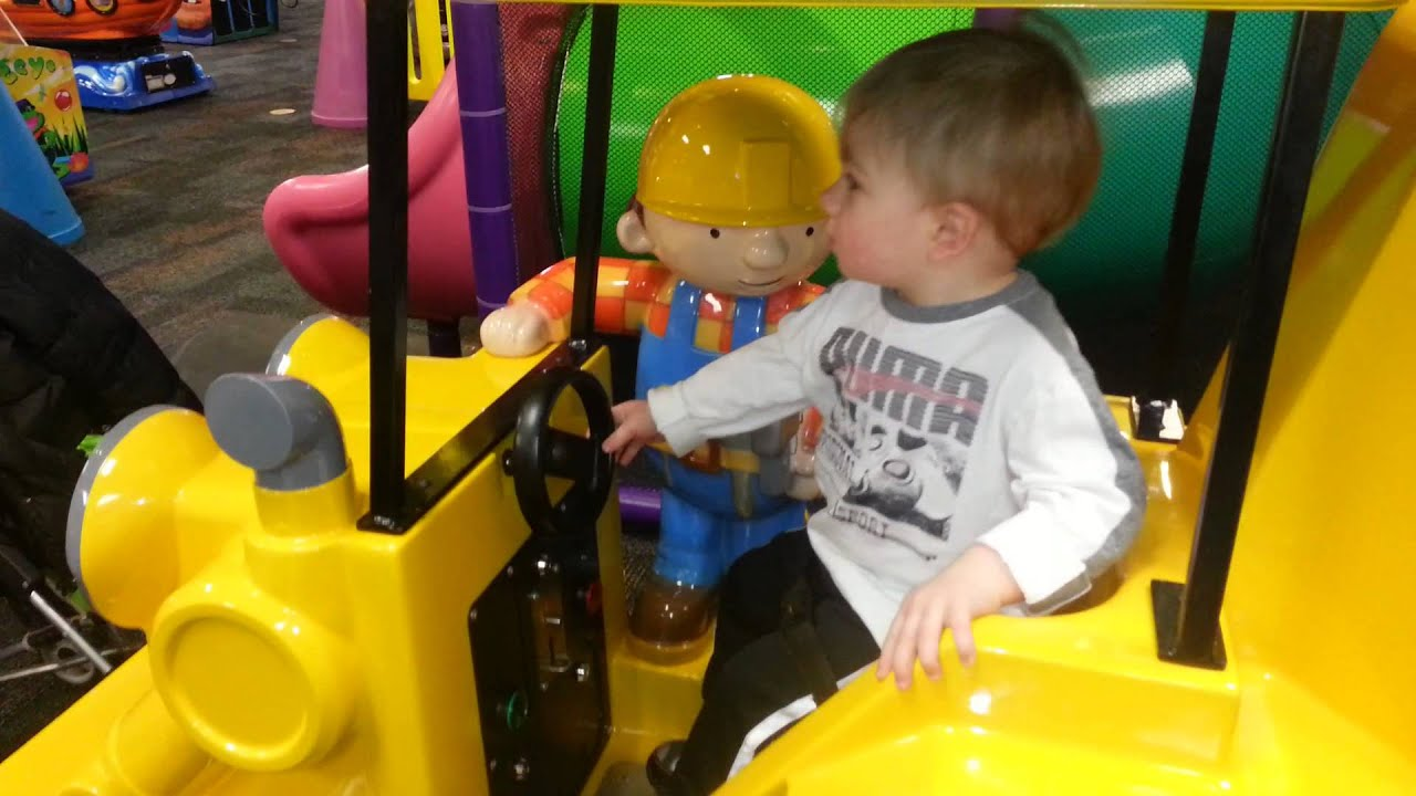 Chuck e Cheese Bob The Builder Builder at Chuck e Cheese