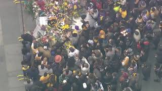Fans gather outside Staples Center to mourn death of Kobe Bryant
