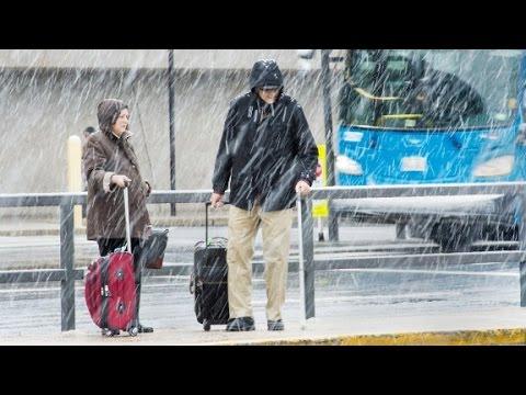 Winter storm snarls Thanksgiving travel