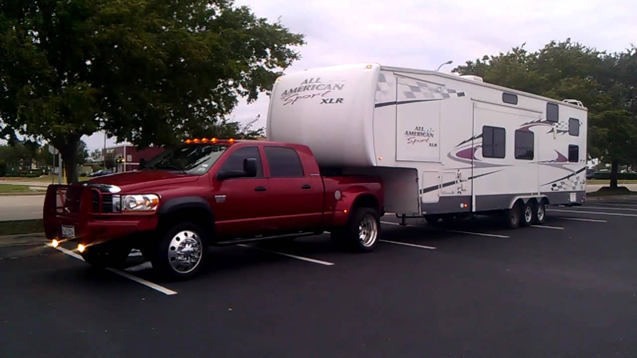 06 Dodge Dually 5 9 Towing A 40 Foot Toy Hauler Youtube