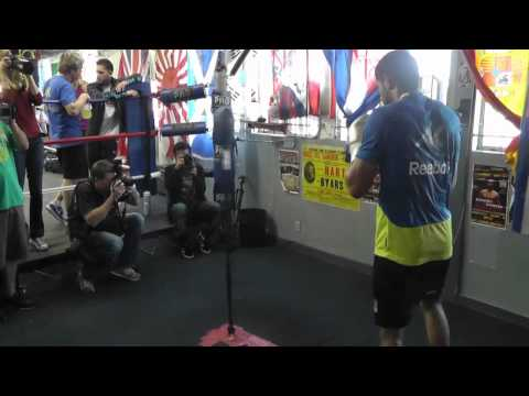 Amir Khan boxing workout - Double End Bag Image 1