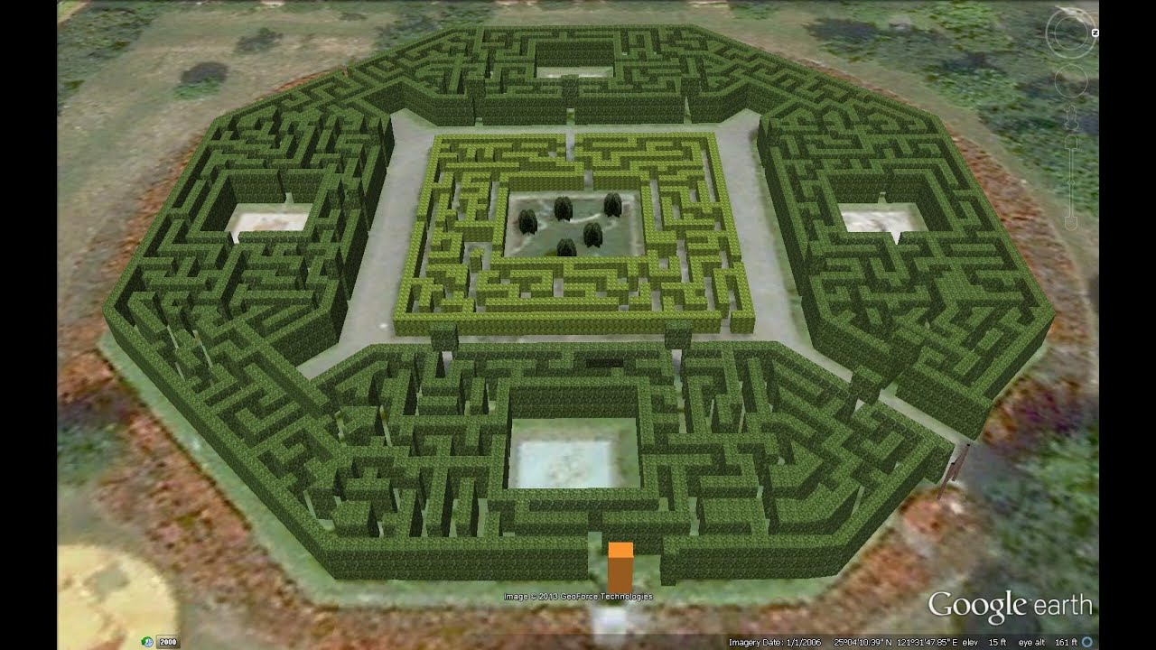 Mazes 3 d in google earth with co ordinates youtube for Garden maze designs