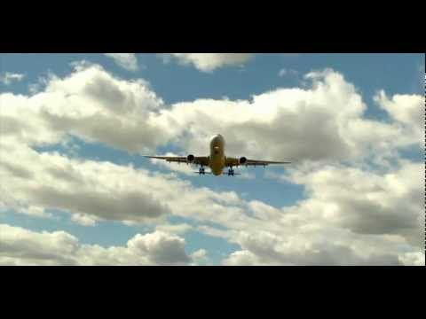 Large Planes Overhead - Perth Airport (HD)