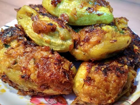Stuffed Alloo Parwal Recipe | गरमागरम आलू भरवा परवल | Stuffed Potato Pointed Gourd Recipe Video