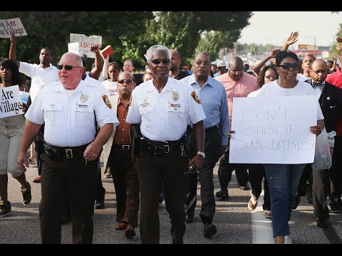 Missouri governor declares curfew in riot hit Ferguson