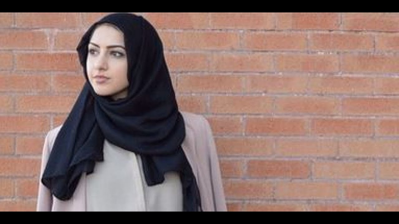 25 Fascinating Photos of Famous Writers at Home Flavorwire Lady in hijab photos