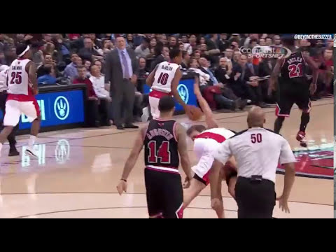 Tyler Hansbrough tackles Mike Dunleavy