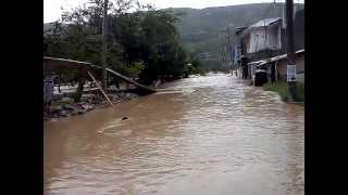 Colonia El Amate Inundada En Chilpancingo, Gro. 15-sep-13