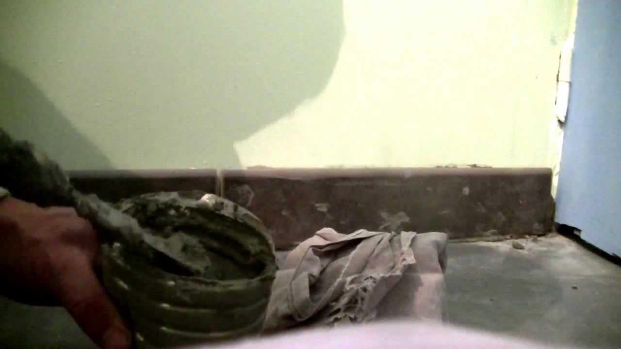 Comment poser des plinthes murales youtube - Comment fixer des plinthes ...