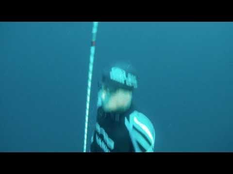 William Trubridge - Dec 12th 2010 - 100m World Record CNF Freedive - Surfacing Video