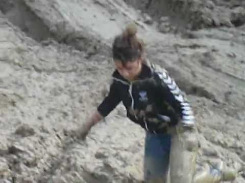 Bataille de boue 4x4 land rover passe partout for 4x4 dans la boue