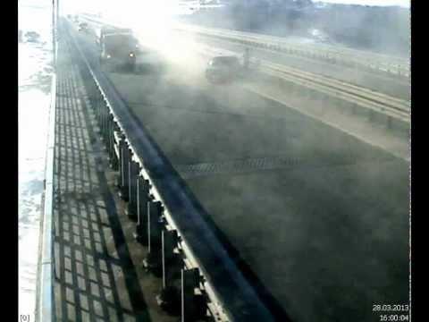 ДТП на Президентском мосту г. Ульяновск 28.03.2013
