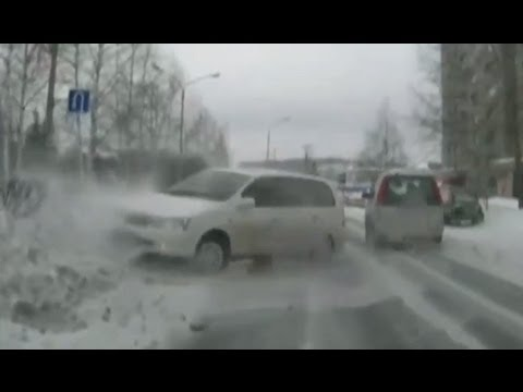Car crash compilation 2013 - Made in Russia #11