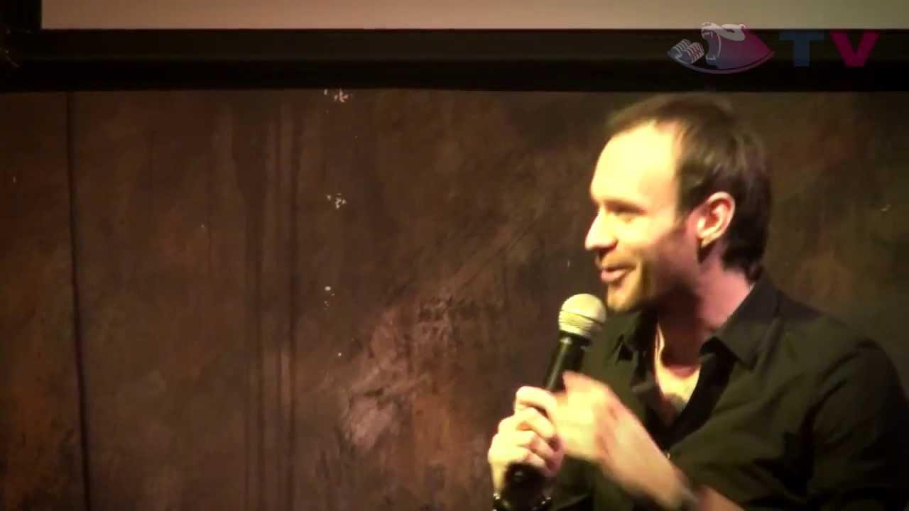 Открытый микрофон Stand-Up Comedy в баре «Выше