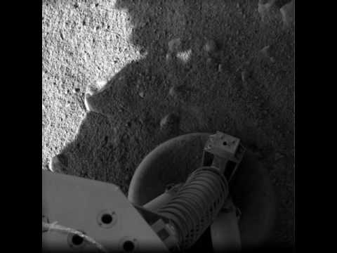 NASA Phoenix Lander - First Raw Images From Mars