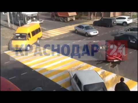 В Краснодаре «шестерка» столкнулась с Ferrari. ВИДЕО. ЭКСКЛЮЗИВ
