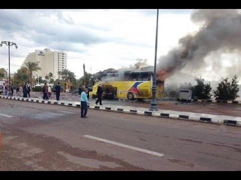 Deadly bombing hits Egypt tour bus