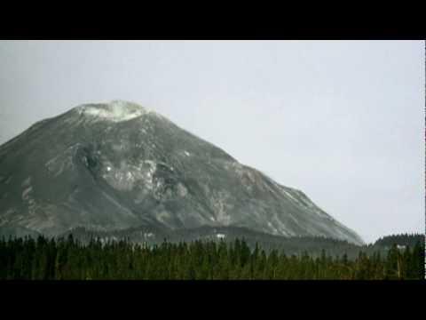 Mount St. Helens Disintegrates in Enormous Landslide