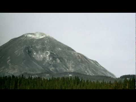Mount St. Helens Disintegrates in Enormous Landslide - YouTube