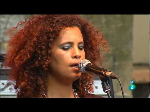 "Neneh Cherry & The Thing ""A Tribute to Don Cherry"" - Heineken Jazzaldia 2012 fragm. 1"
