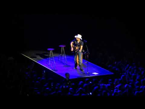 Brad Paisley Live Oslo Spektrum March 22. 2014 Waiting On A Woman video