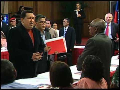 Chávez felicita al Gobierno de Colombia y a las FARC por inicio de conversaciones de paz
