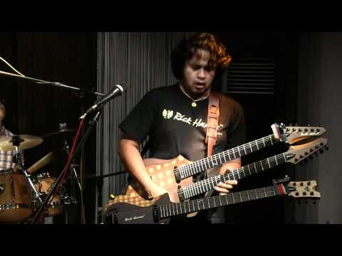 Balawan Bifan Trio ft. Aria Baron - Roxane @ Mostly Jazz 07/04/12 [HD]