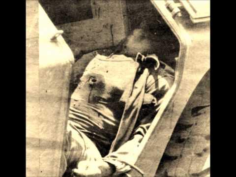 Enregistrement original du message des mutins de la Garde républicaine, Radio-Cameroun le 6 avril 1984, à 13h00. Images tirées de la presse camerounaise du m...