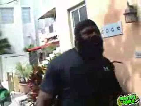 kIMBO sLICE-fIGHTs Man takes Kimbo tackle for $100 Image 1