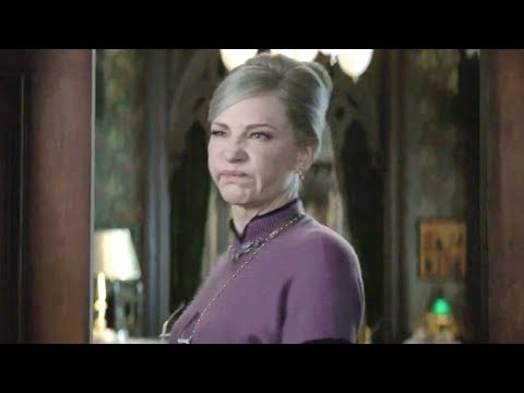 Cate Blanchett Can't Keep A Straight Face In 'The House With A Clock In Its Walls' Gag Reel (Excl…