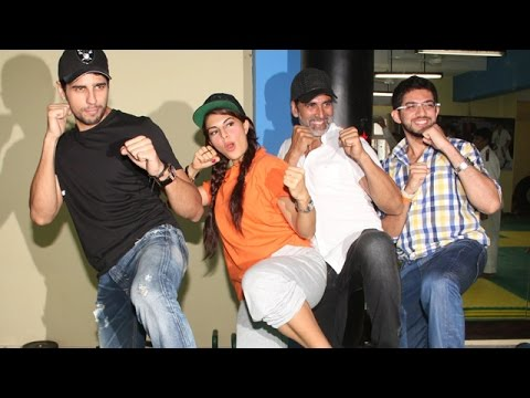 Women's Self Defense Lessons By Akshay Kumar, Sidharth Malhotra & Jacqueline Fernandez