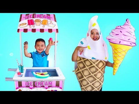 Lyndon Pretend Play with Real Ice Cream Cart Toy