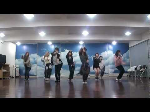 Snsd - Mr. Taxi & The Boys Dance Sm Practice Room Oct.2011 Girls' Generation video