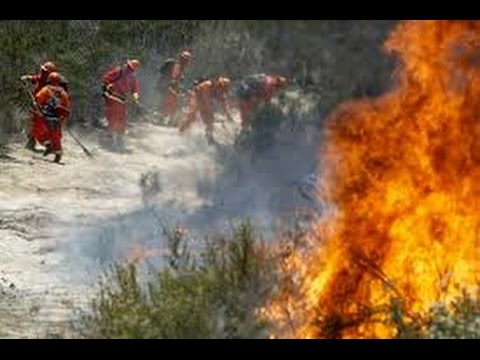 California Wildfires Burn Homes, Force Residents to Flee