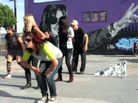 Thriller At Michael Jackson Mural At Graff Lab 12 11 ...