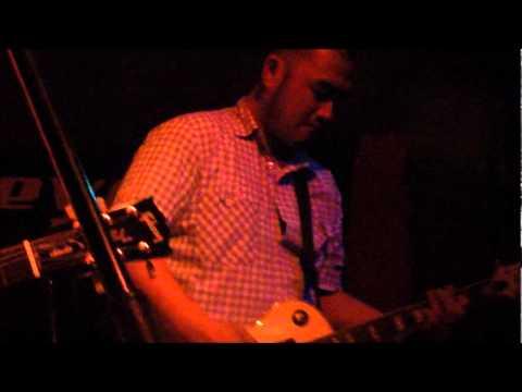 Revenge Life – Seis (part. Lucas) 01/07/2011 – Divina Comédia Club´n Rock
